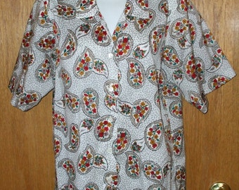 Womens Paisley Blouse White Red Print Silky Short Sleeve size M or L Vintage 1980s Office Secretary
