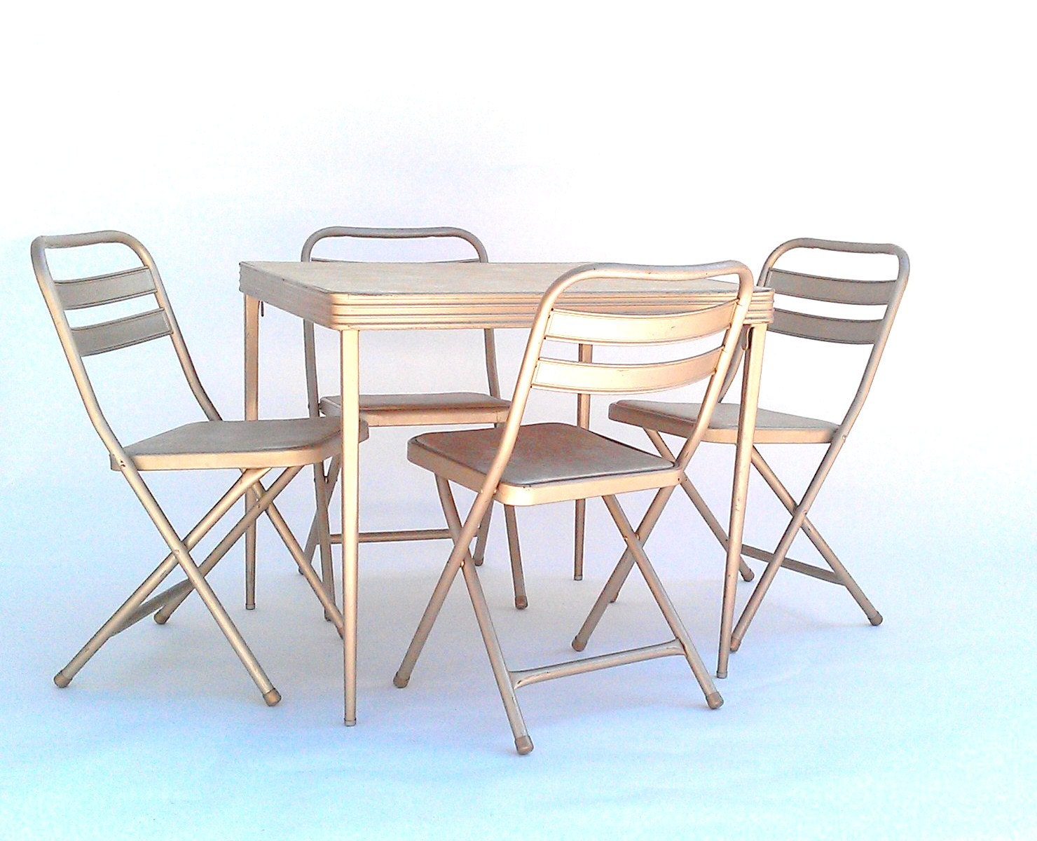 vintage folding card table and chairs by durham manufacturing. Black Bedroom Furniture Sets. Home Design Ideas