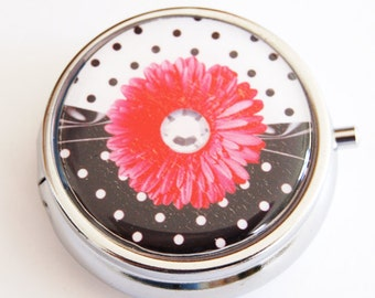 Daisy Pill Case, Pill Case, Pill Box, Pill Container, Daisy, Candy container, mint case, case, black white, polka dot (2144)