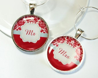 Mr Mrs Wine Charms, Wine Charms, Wedding Wine Charms, red, blue, damask, Wedding Shower, Bridal Shower, table setting, silver plate (2583)