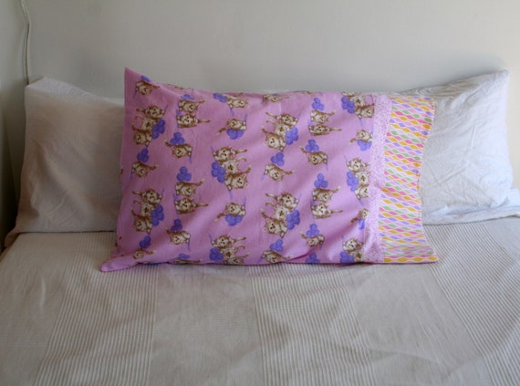 pink kitten with yarn flannel pillow case