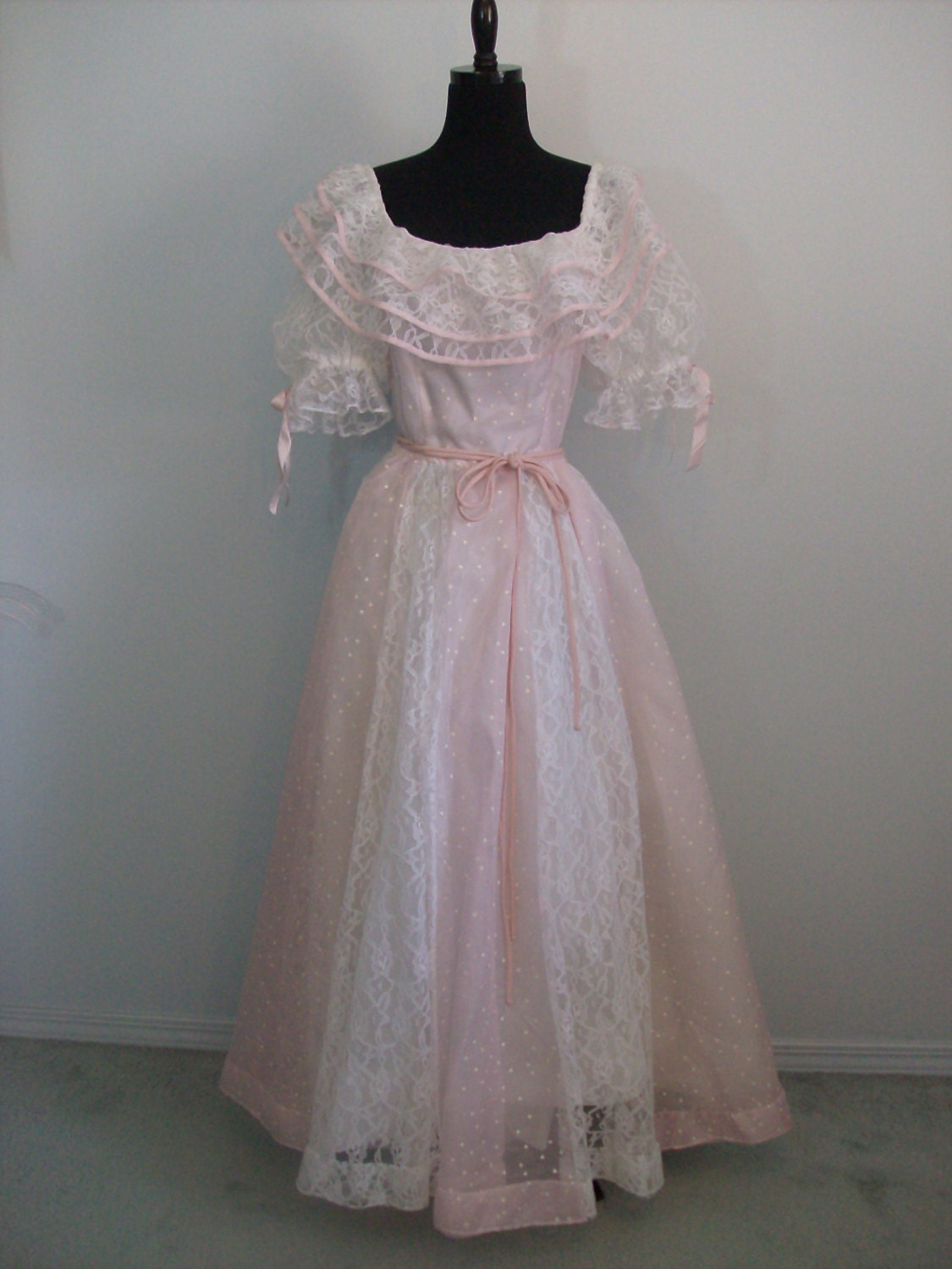 Vintage 1980s Prom Lace Dressy Dress Party Formal Bridal Gown