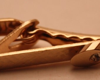 Vintage Gold Toned Metal Tie Clip With Cubic Zirconia Stone-Mid Century, High Fashion-Stylish