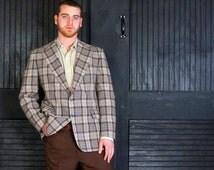 Men's Wool Plaid Blazer 1960s Vintage Jacket Size 44 R Men Muted Tartan Plaid Khaki Blue Red  Earth Tone Sport Coat Cricketeer Kal Lebowsky