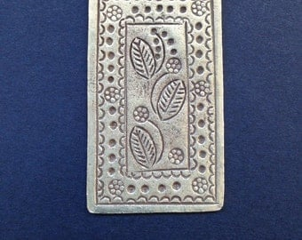 HT 65 - Thai Hill Tribe Fine Silver Leaves and Flowers pendant