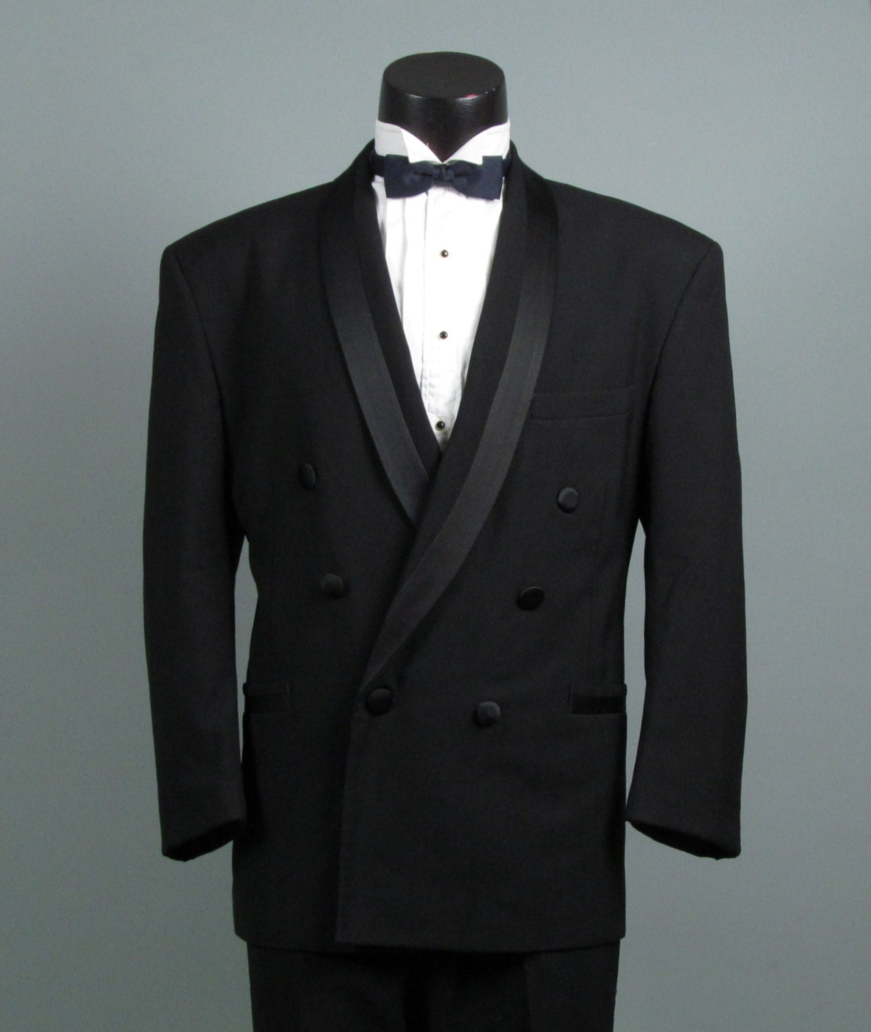 The white dinner jacket is an iconic look. Originally a warm weather alternative to the standard black tux, these days a white jacket tux keeps its cool in any climate.