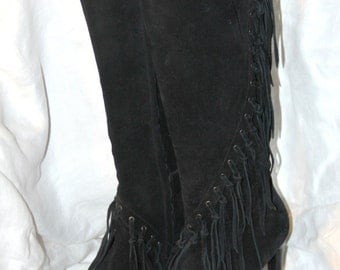 Knee High Suede Boots - Maker Unknown  -  Size 7.5M - Black Suede Fringe Boots - Stiletto Heel