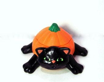 Ceramic Cat Pumpkin Box -4.25 inches wide - hand made, Halloween