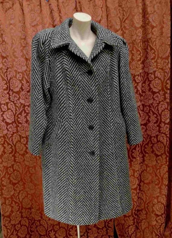 Vintage 1980s Oversize Ladies Twill Herringbone Overcoat