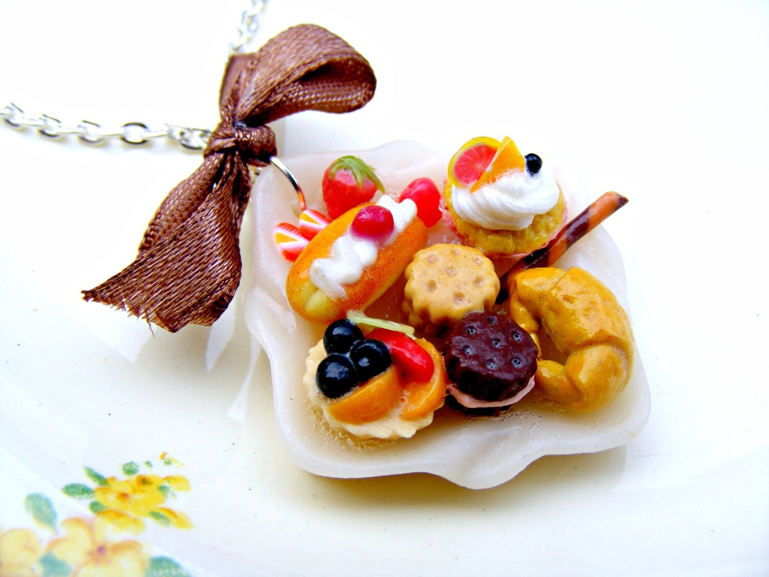 Polymer clay cake necklace polymer clay jewelry by sweetystuff for Polymere cuisine
