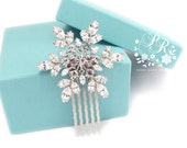 Wedding Hair comb Rhinestone snowflake hair comb Bridal hair comb hair accessory Wedding Jewelry Snowflake Jewelry Christmas Hair Comb