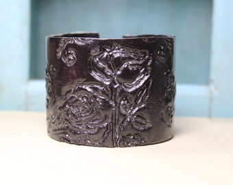 Vintage Black Roses Cuff Polymer Clay Bracelet, Handmade by BethsGemBoutique