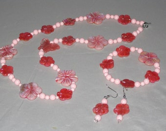 PINK and Rose MOTHER of PEARL Flower Necklace Set with a Butterfly Accent