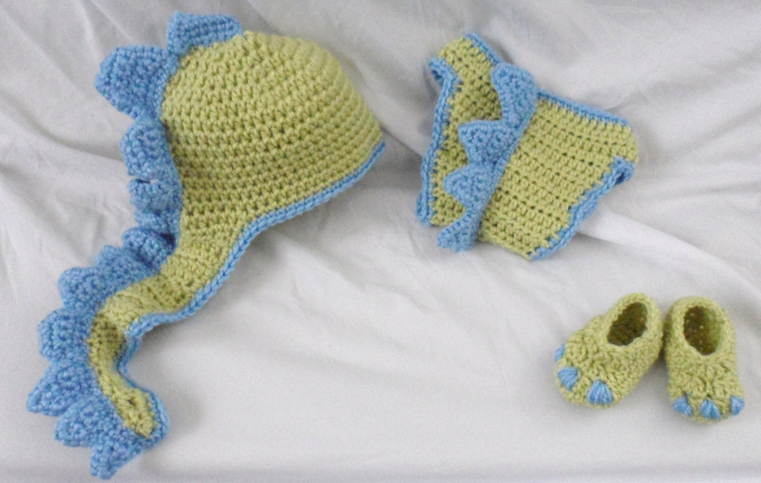 Crocheted Baby Boy Dinosaur Photo Prop / Hat Diaper Cover and