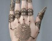 claw spike finger slave bracelet