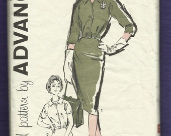 Vintage 1960's Advance 9547 Slim Raglan Sleeve Lady's Dress with Front  and Sleeve Button Detail Size 18