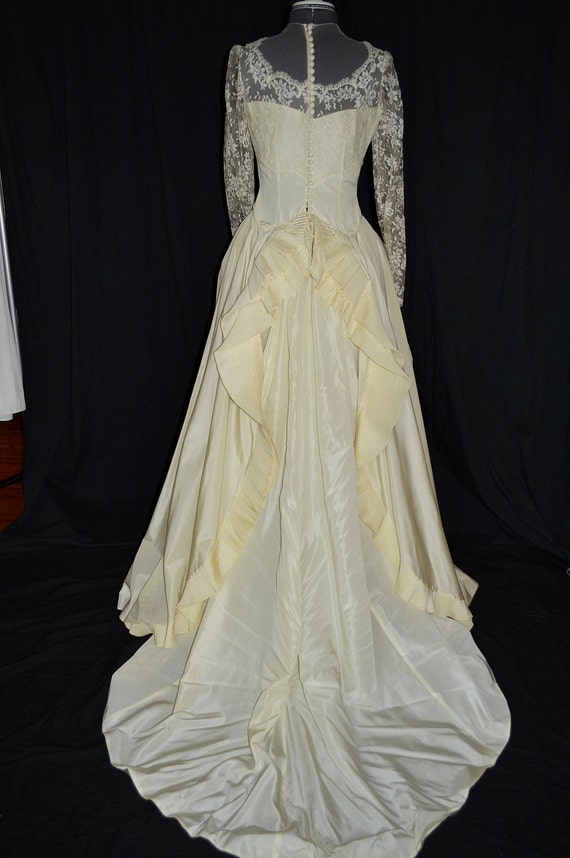 1890s style ivory victorian lace wedding gown dress w pleated for Victorian bustle wedding dress
