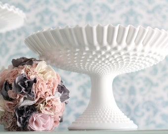 Wedding Centerpiece Wedding Decoration Wedding Decor for Vintage Weddings / Milk Glass Compote Candy Dish / Wedding Pedestal Cake Stand