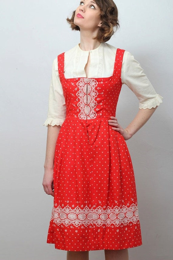 Vintage red and white embroidered dirndl / modern US size 6