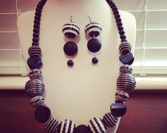 Black and White Beaded Earrings and Necklace Set