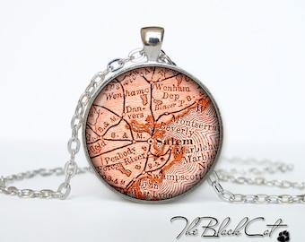 Vintage map of Salem pendant Old map of Salem necklace Antique map of Salem jewelry (PVM00008)