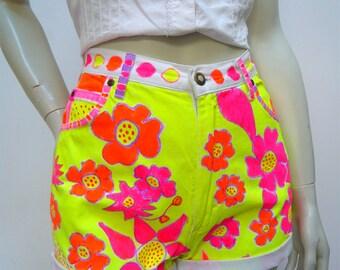 80s Vintage NEON PAINTED hi waist denim shorts Small