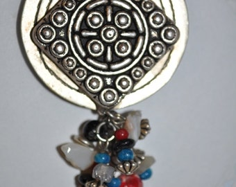 Vintage Jewelry Refrigerator Magnet (32) Silver Dangles