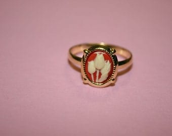 Tiny Red Tulips Cameo Ring