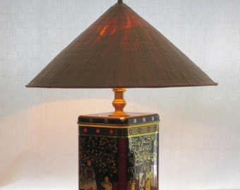 Fortune Cookie tin table lamp with straw hat shade