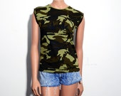 Grunge Camo Marijuana Leaf Smiley Sleeveless T Shirt Women's Small