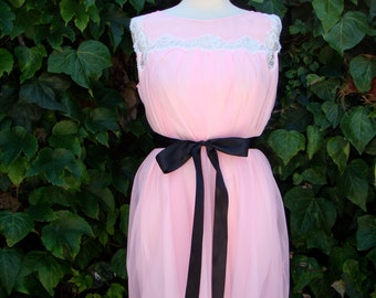 Vintage / Cotton Candy / Pink / Double Chiffon and Lace /  Dolly / Nightie