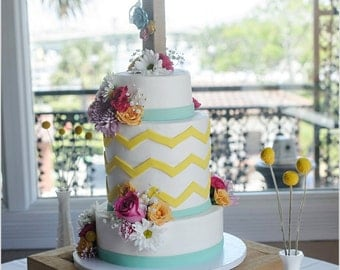 CUSTOM Burlap Cake Topper - Any Letter - Monogram, Wedding Decoration, Cake Topper, Table Centerpiece, Photography Prop