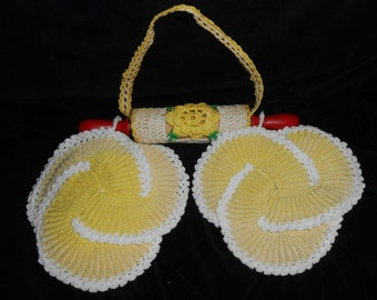 POTHOLDERS on ROLLING Pin hand crochet yellow hot pads vintage cottage kitchen decor gift idea vintage
