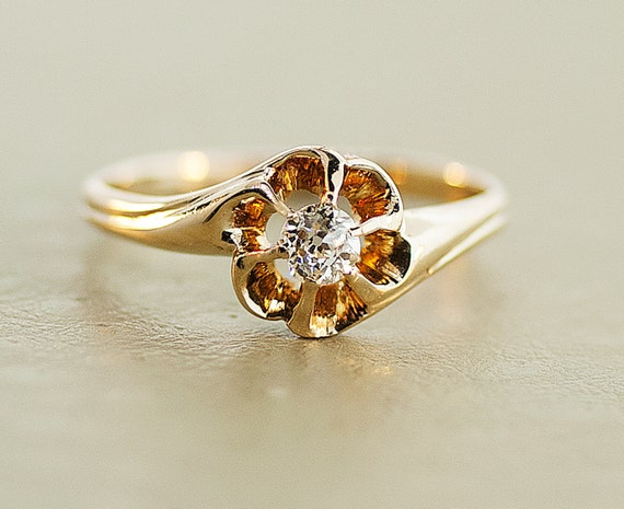 Antique Diamond Ring - 14k Yellow Gold Ring with European Cut Diamond