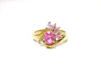14k Yellow Gold Synthetic Sapphire Ring - Size 8 - Weight 4.9 Grams