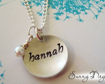 Mother's Necklace with One Name and Pearl - Wife - Mommy - Grandmother - Mother's Day - Birthday