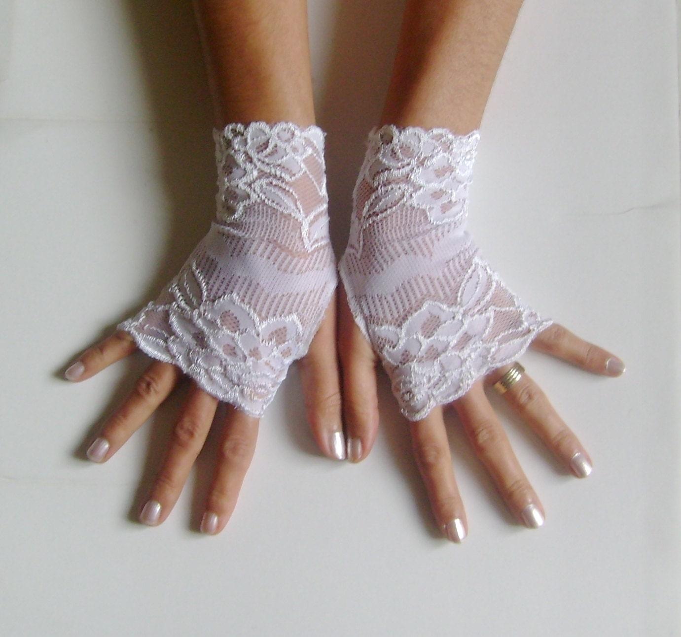 white lace gloves bridal gloves lace gloves by glovesbyjana