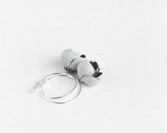 Leather earrings in light grey
