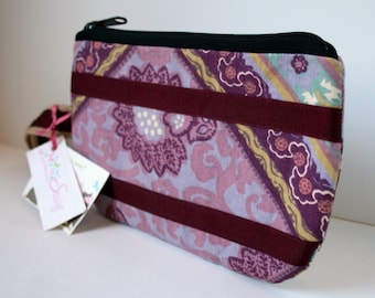 SALE IPhone Fabric Wristlet, Zippered Wristlet, SmartPhone Wristlet