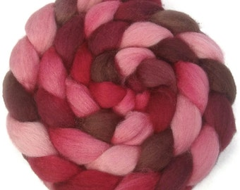 Handpainted BFL Wool Roving - 4 oz. VICTORIA - Spinning Fiber