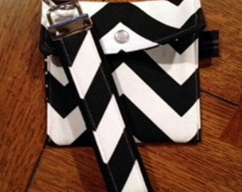Key Fob Key Chain | Ladies Wallet | Change Purse | Coin Purse | Chevron Zig Zag Black White