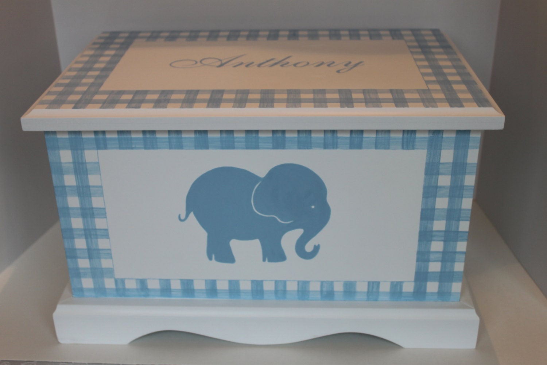 baby keepsake chest memory box personalized gingham elephant. Black Bedroom Furniture Sets. Home Design Ideas