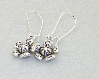 Antique silver flower charm dangle earrings, Summern earrings, Garden jewelry, Bride, Wedding, Mother's Day, Gift for her, Whimiscal jewelry