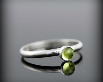 Peridot ring - recycled sterling silver ring with bezel set 4mm gemstone, August birthstone