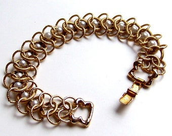 SJK Vintage -- Goldette NY Signed Bracelet with Gold Textured Links and Faux Pearls (1950's-60's)