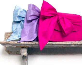 Fuchsia pink wedding clutch, Bridesmaid clutch sets, Personalized bridesmaids gifts, Wedding clutches,  Silk clutch purse, Wedding gift, Bow