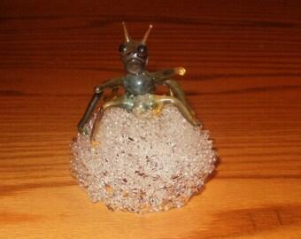 VINTAGE iTALIAN SPIDER  on umbrella Murano Venetian Spun Glass colored glass Lampwork Figurine