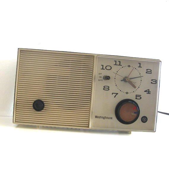 Vintage AM Alarm Clock Tube Radio Westinghouse H833L4