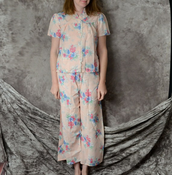 1940s pajamas pink Floral rayon 40s lingerie