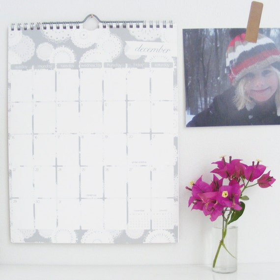 2013 patterned wall calendar